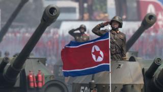 เกาหลีเหนือสวนสนามแสดงแสนยานุภาพกองทัพ