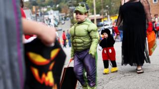 Children in US dressed in costume