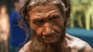 Estátua de um neandertal