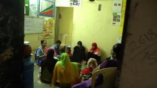 အိန္ဒိယက ကိုယ်ဝန်ဆောင် စောင့်ရှောက်မှု