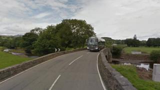 Pont Lliw