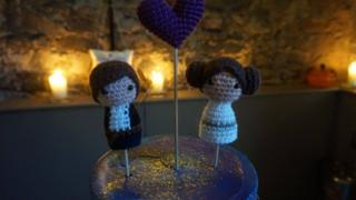 Knitted Princes Leia on top Claire and Alistair Brown's wedding cake.