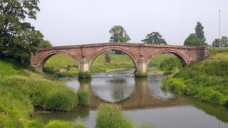 Llandrinio bridge
