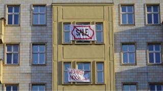 Manifestação contra venda de imóveis