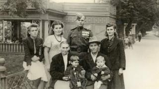 Яков Васильченко с семьей