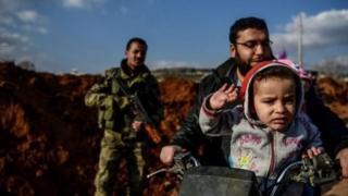Ciidamada Turkiga ayaa dagaal kula jira kooxaha Kurdiyiinta