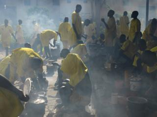 Prisoners cooking in Luzira prison