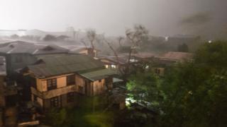 """超级台风""""山竹""""9月15日凌晨席卷菲律宾北部"""