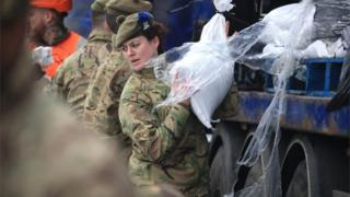in_pictures West Yorkshire got troops from The Highlanders, 4th Battalion to help assist with flood defences