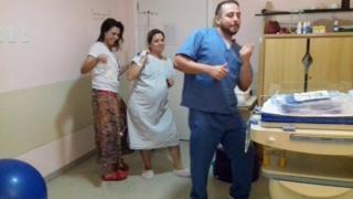 Liz Garcia dançou Despacito momentos antes de dar à luz Marina, em agosto deste ano