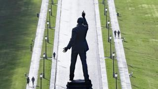 Carson's statue at Stormont