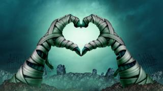 Руки, образующие знак сердца