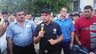 Ukrainian police with villagers (pic: Odessa police website)