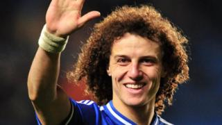 David Luiz wuxuu u wareegayaa Chelsea