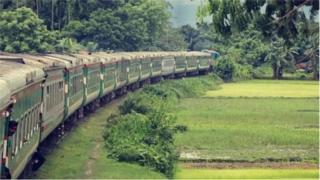 বাংলাদেশ ও ভারতের মধ্যে বেশ কয়েকটি সীমান্তের রেল সংযোগ চালু করার কাজ চলছে