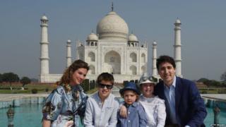 જસ્ટીન ટ્રુડો પરિવાર સાથે