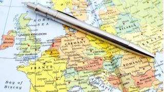 O país europeu que ano após ano vê pessoas deixando o país e população diminuindo