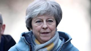 Brexit: Theresa May looks for way to break deadlock
