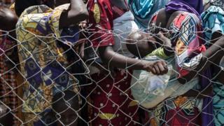 Ndị mmadụ nọ n'ebe obibi ndị gbara ọsọ ndụ dị na Borno