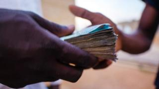 Mwandishi aliripoto hongo iliokuwa ikiendelea