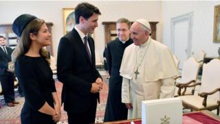 Prime Minister Justin Trudeau (centre) with Pope Francis (right) and his wife Sophie Gregoire-Trudeau (left).