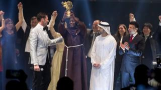 Kenyan science teacher Peter Tabichi wins global prize