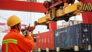 انخفاض الصادرات والواردات الصينية