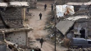 Suriyeli askerler Karm al-Jabal bölgesinde