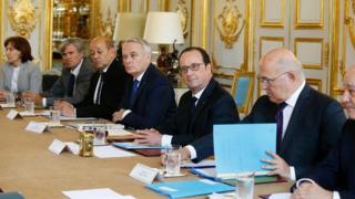 президент Олланд на заседании кабинета