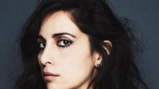 A cantora e compositora libanesa Yasmine Hamdan