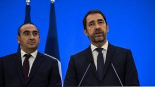 وزیر کشور فرانسه گفته است گروههای افراطی خواهان سرنگون کردن نظام هستند.