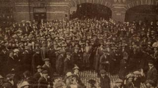 Strike action at Huntley and Palmers biscuit factory, Reading, in 1916