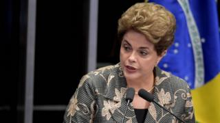 上院で意見陳述するルセフ大統領(29日、ブラジリア)