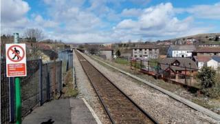 Pontlottyn station