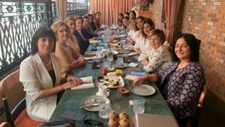 Meral Akşener kadın gazetecilerle bir araya geldi