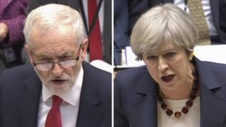 تيريزا ماي، زعيمة حزب المحافظين الحاكم، وجيرمي كوربين، زعيم حزب العمال المعارض، يتبادلان الاتهامات أثناء إحدى جلسات البرلمان البريطاني