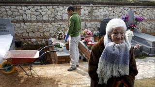 Ascension Mendieta, daughter of Timoteo Mendieta, who was shot in 1939, attends the exhumation of her father's remains at Guadalajara's cemetery, Spain, 19 January 2016