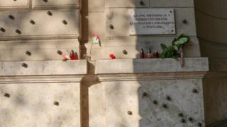 Budapest với vết đạn bắn trên tường nhà thời kỳ 1956