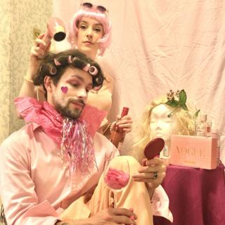 Helen Yang and Thomas Etheridge in pink outfits