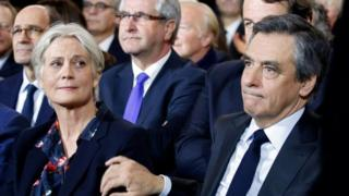 Francois Fillon (right) and his wife Penelope Fillon in Paris (29 January 2017)