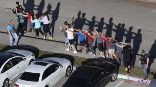 قتل 17 شخصاً على الأقل في إطلاق نار في مدرسة في فلوريدا