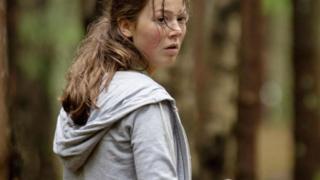 """أحد مشاهد فيلم """"يو - 22 يوليو"""" الذي يتناول قصة قتل جماعي وقعت منذ بضع سنوات في النرويج"""