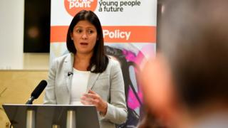 Labour leadership: Nandy outlines 'empowering' welfare system