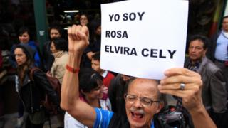 Colombianos protestam contra decisão de Prefeitura que culpou Rosa Elvira Cely por seu próprio assassinato