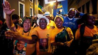 Magoya bayan Shugaba Zuma na murna a birnin Cape Town