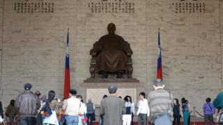 蔣介石銅像