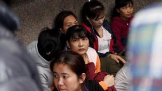 5 nữ lao động Việt Nam bị sa thải khiến hàng chục lao động Việt Nam tham gia đình công tối 20/5