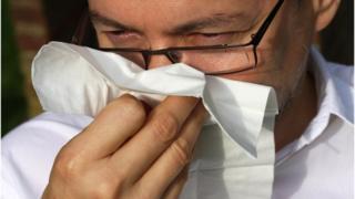 تعد هذه أول دراسة في الأكاديمية الوطنية للعلوم التي تحدد احتمالية الإصابة بالمرض بناء على قرب الراكب من الشخص المصاب بالعدوى.