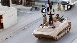 Wapiganaji wa islamic State waliopo mjini Raqqa nchini Syria