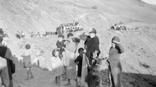 """Más de 150.000 personas tomaron la carretera Málaga-Almería para huir del ejército franquista el 8 de febrero de 1937 en lo que se conoce popularmente como """"la Desbandá""""."""